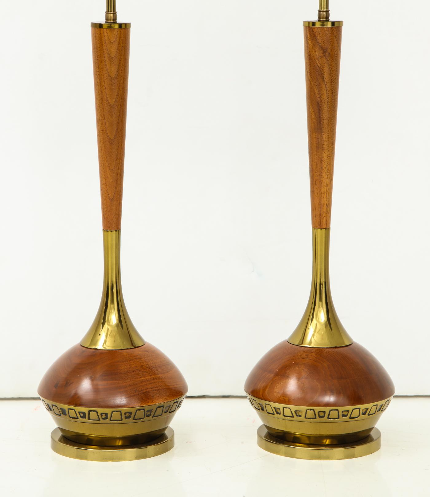 Pair of Mid Century Modern table lamps. By Laurel Lamp Company.