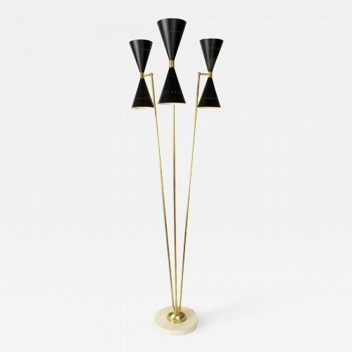An Italian brass floor lamp in the manner of Stilnovo